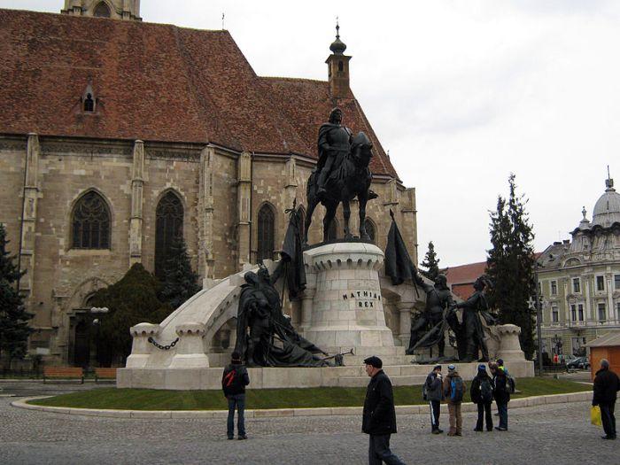 """Statuia lui Matia, un simbol pe care unii l-ar vrea un pic """"romanizat"""""""