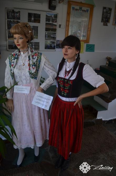 Costum austriac și costum pemesc