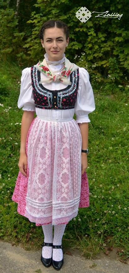 Costum pemesc
